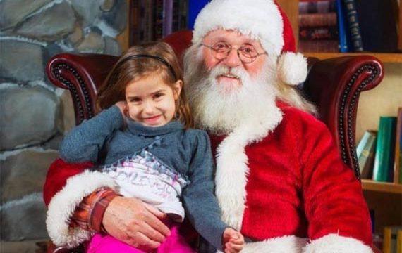 Lavorare durante le Feste come Babbo Natale. Stipendio: 1600 euro